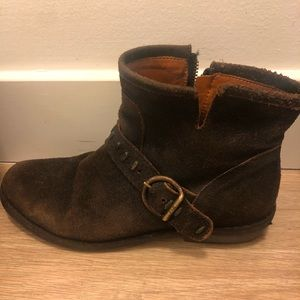 Barely-Worn Frye Boots!